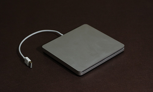 Apple MacBook Air SuperDrive(MC684ZM/A) - Studio Milehigh -